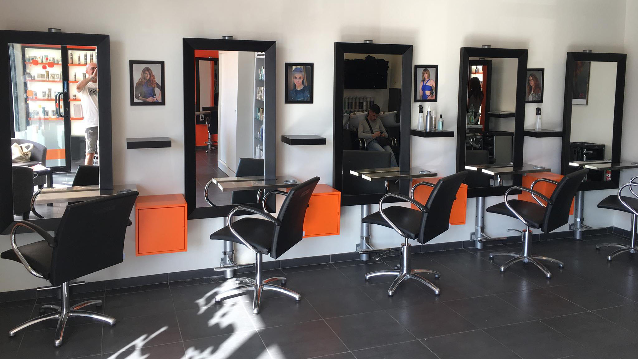 Meeting with Carla, at Hair City Tigery